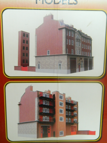 CS1 1:76 / OO Fire Station Card Kit