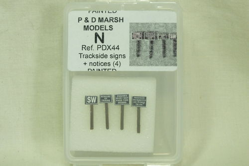 X44 N Gauge Trackside Signs + Notices (x4) Painted