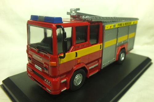 FBM150DS-S 1:50 Scale Dennis Sabre Fire Engine/Appliance Water Tender Ladder - Striped
